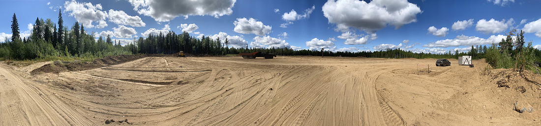 Процесс подготовки площадки длямонтажа буровой установки скважины №402на Вуктыльском нефтегазоконденсатном месторождении